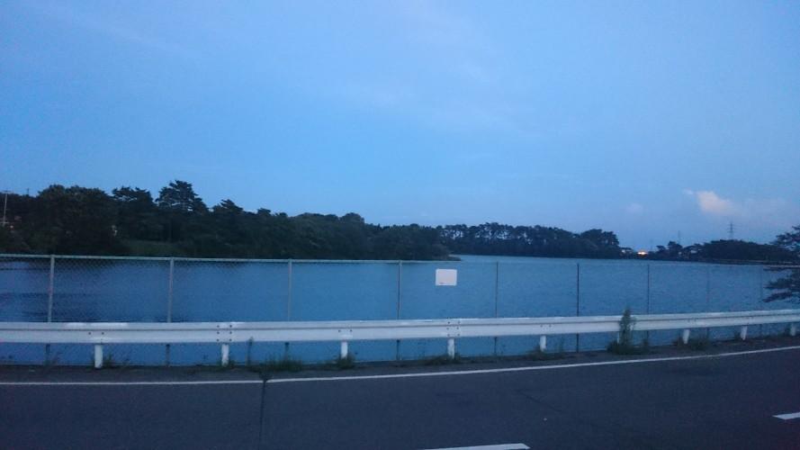 真壁調整池の湖畔