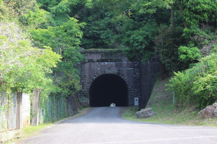 佐敷トンネル