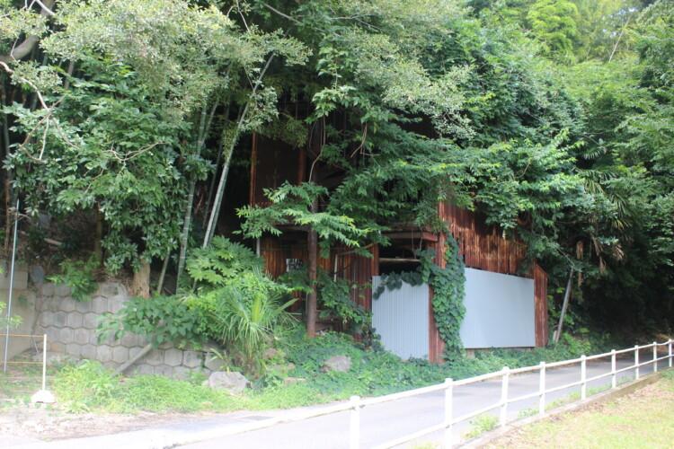 廃旅館新川